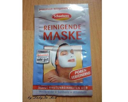 Die Maske für die Person mit dem Vitamin und und je