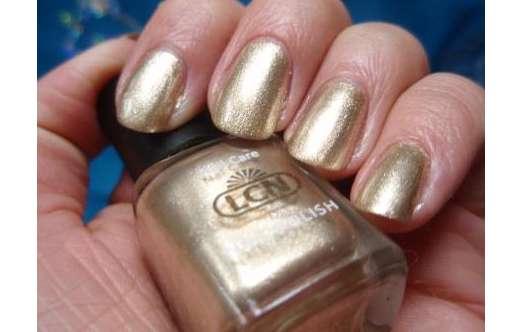 test nagellack lcn nail polish farbe gold rush illuminating secrets le testbericht von. Black Bedroom Furniture Sets. Home Design Ideas
